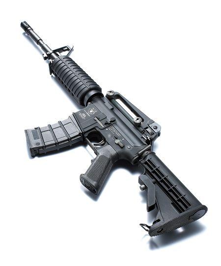 Автоматическая винтовка М-16